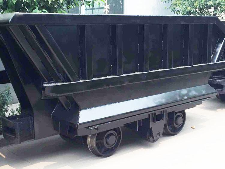 4m3底側卸式礦車